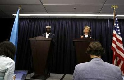 US Secretary of State Hillary Clinton (R) and Somali President, Sheikh Sharif3