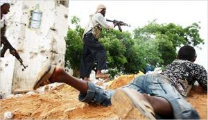 Al-Shabab militiamen fire on Somali government