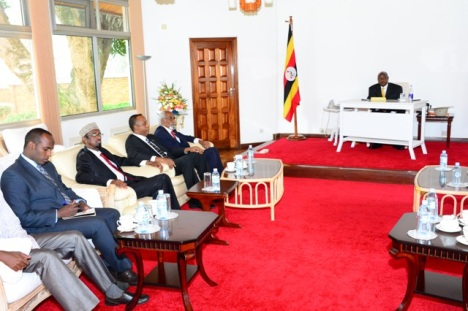 G.Barlamaanka iyo Museveni.jpg1