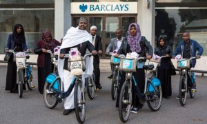 MDG : Somalia remittances : Somali campaigners and Oxfam  protest at Barclays Bank