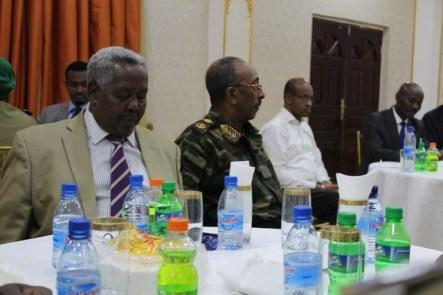 Saraakiil Somali iyo Amisom.jpg1.jpg